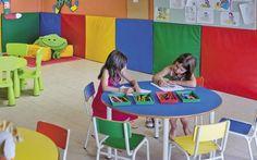 Nuestro hotel rural en Cataluña es ideal para escapadas con niños. En Vilar Rural de Cardona te ofrecemos un alojamiento con encanto y un entorno natural.  TIPUS ACTIVITAT: alojamiento / allotjament