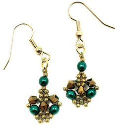 Betsy's Crystal Lace Earrings, a new free pattern at AroundTheBeadingTable.com
