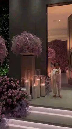 Casa Kylie Jenner, Kylie Jenner Instagram, Kylie Jenner Outfits, Boquette Flowers, Luxury Flowers, Beautiful Flowers, Cadeau Couple, Dream House Interior, Beautiful Flower Arrangements