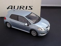 "TOYOTA AURIS OFFICIAL LICENSED 1:24 BLUE ""NOT FOR SALE"" Dealer Color Sample"