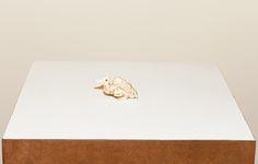 Cícero Alves dos Santos - Véio | A figa, 2014 | Tinta acrílica e madeira | 3,5 x 7 x 1,5 cm