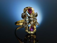 Antique cocktail ring! Aparter Cocktail Ring um 1910 Gold 750 Rubine Diamant Rosen, Antikschmuck bei Die Halsbandaffaire