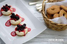 Mini cheesecake ai frutti di bosco