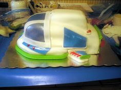 Annie's Art Book- Cakes: A Buzz Lightyear cake - tribute to Buzz, the best space ranger ever -Part 1