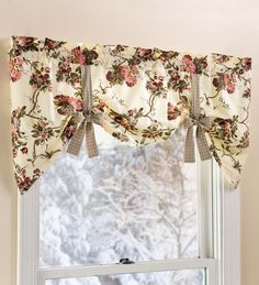 Tie-Up Floral Cotton Window Valance with Contrasting Ties Curtains Living Room, Chic Home Decor, Curtain Decor, Diy Curtains, Home Curtains, Home Decor, Small Window Curtains, Valance Window Treatments, Living Room Red
