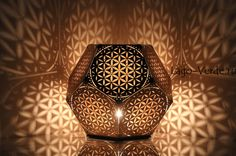Flower Of Life Dodecahedron Table Light Cozo - An Illuminated Flower Of Life Light To Bring Ancient Wisdom Healing And Interconnection To Your Home It Is Considered By Some To Be A Symbol Of Sacred Geometry Depicting The Fundamental Forms Of S Yoga Studio Design, Lampe Tube, Sacred Geometry Art, Geometry Tattoo, Laser Cutter Projects, Sri Yantra, Order Flowers, Grid Design, Flower Of Life