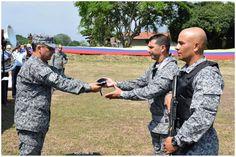 Detalles de la ceremonia de imposición oficial de la nueva boina que portarán los uniformados de la especialidad de Seguridad y Defensa de Bases de la Fuerza Aérea Colombiana.  Noticias de la Fuerza Aérea de Colombia - Página 114 - América Militar