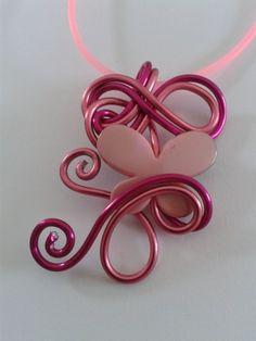 Image - Petit collier papillon rose - Les créations de Jenny - Skyrock.com