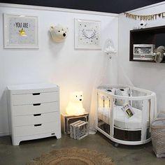 White purity nursery- by Bright Kids Interiors
