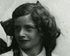 Emma de Lange went to school in Groningen, Netherlands. Murdered in Auschwitz on Oct. 19, 1942.