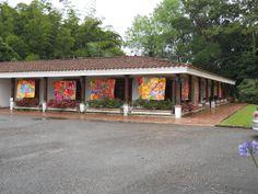 Exposición de pintura en la Casa Finca de la Sede Oriente de los estudiantes de Artes Plásticas