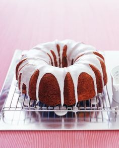 We love the humble Bundt cake for its versatility and broad appeal. Here are 14 easy Bundt recipes, including chocolate, spicy pumpkin, apple spice, lemon-ginger, and more.