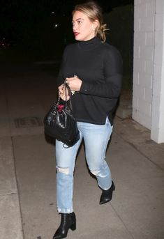 Hilary Duff wearing Chanel Gabrielle Backpack and Mother Tomcat Jeans in the Confession Chanel Backpack, Backpack Outfit, Star Fashion, Fashion Outfits, Fashion Ideas, Chanel Gabrielle, Hilary Duff Style, Mother Denim, The Duff