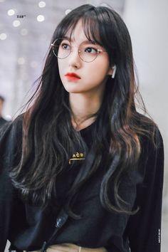 Yuehua Entertainment, Starship Entertainment, Xuan Yi, Cheng Xiao, Cosmic Girls, Korean Actresses, Pretty Girls, Rapper, Idol