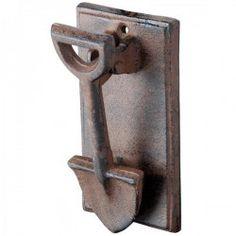 Esschert Design Cast Iron Spade Doorknocker - I bet you could hear it! Door Knobs And Knockers, Knobs And Handles, Door Handles, Door Knockers Unique, Antique Door Knobs, Esschert Design, Door Detail, The Doors, Unique Doors