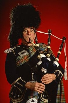 Scottish People: Clothing and Jewelry