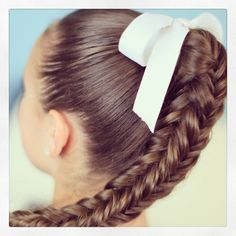 Box {4-sided} Fishtail Braid | Cute Braids. Super Easy. Start with a normal fishtail do two stitches, then two reverse fishtail stitches and continue until hair becomes difficult to keep braiding.