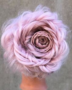 20 Rose Braid Hairstyles You Will Love in Who does not love flowers? Prepare yourselves to these prettiest rose braids trend. There is no doubt that rose braid hairstyles are the latest hairst. Latest Braided Hairstyles, Cool Braid Hairstyles, Rose Hairstyle, Prom Hairstyles, Evening Hairstyles, Hairstyle Ideas, Hair Ideas, Female Hairstyles, Modern Hairstyles