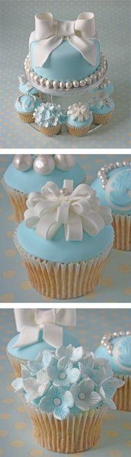 Hempeän sininen sopii kevätjuhliin! #kakku #kuppikakku #juhlaidea #juhlakakku