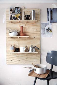 41 Awesome Diy Kitchen Storage To Make Kitchen Organized Kitchen On A Budget, Diy Kitchen, Kitchen Storage, Kitchen Rack, Wooden Kitchen, Kitchen Shelves, Kitchen Living, Diy Interior, Kitchen Interior