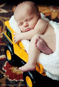 Oh yeah, I'm getting a tonka truck for baby boy. I guess you're never too young for a tonka truck! Photo Bb, Kind Photo, Newborn Bebe, Foto Newborn, The Babys, Baby Boy Photos, Newborn Pictures, Newborn Pics, Newborn Session