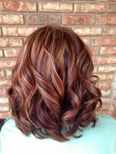 50 Inspiring Fall Hair Colors Ideas That Trending In 2019 So long, Summer! The leaves are changing, and so should your hair! Changing your hair color to capture the beauty […] Hair Color Auburn, Red Hair Color, Deep Auburn Hair, Medium Auburn Hair, Brown Hair With Highlights, Hair Color Highlights, Fall Highlights, Red Hair With Highlights, Peekaboo Highlights