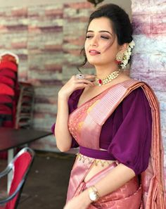 Ashika Ranganath Classy Saree Models of India! Choli Designs, Half Saree Designs, Saree Blouse Neck Designs, Fancy Blouse Designs, Bridal Blouse Designs, Pink Saree Blouse, Kurta Designs, Blouse Models, Saree Models
