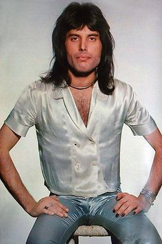 Website dedicated to one of the greatest and most influential artists of all time – Freddie Mercury Queen Freddie Mercury, Brian May, Freddie Mecury, Queen Photos, Queen Pictures, Band Pictures, Roger Taylor, We Will Rock You, Somebody To Love