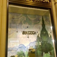 Van Gogh Vuitton #retaillife #windowdisplay #visualmerchandising #visualmerchandiser #louisvuitton #vangough #handbags #accessories #vmdaily via @brendaroxana