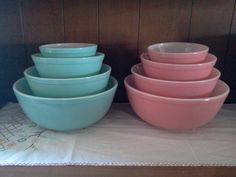 The pink is pretty, but I <3 those turquoise bowls so much!!!