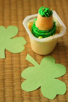 "St. Patrick's Day ""Leprechaun Hat"" Pudding Cup Recipe the Kids Can Make!"