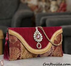 Red Banaras Tissue Envelope clutch with tassels Bridal Handbags, Unique Handbags, African Accessories, Handbag Accessories, Potli Bags, Bridal Clutch, Wedding Purse, Vintage Purses, Clutch Purse