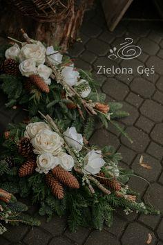 Flower Arrangement Designs, Flower Arrangements, Christmas Wreaths, Christmas Decorations, Holiday Decor, Ikebana, Funeral, Flowers, Funeral Flowers