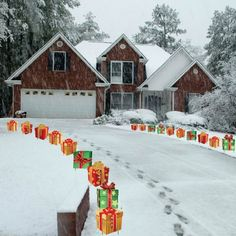 VictoryStore Yard Sign Outdoor Lawn Decorations: Christmas Presents Pathway Markers - Set of 18 Flat Corrugated Plastic Decorations NOT LIGHTS Christmas Light Bulbs, 3d Christmas, Christmas Presents, Christmas Ideas, Xmas, Gingerbread Christmas Decor, Christmas Garden, Gingerbread Men, Country Christmas