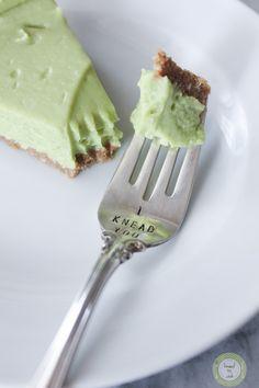 Raw Key Lime Pie (Gluten Free and Vegan) Raw Vegan Recipes, Vegan Foods, Dairy Free Recipes, Cooking Recipes, Vegan Raw, Cooking Tips, Gluten Free Sweets, Vegan Sweets, Healthy Sweets