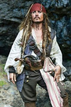 Johnny Depp as Captain Jack Sparrow in Pirates of the Caribbean:On Stranger Tides Captain Jack Sparrow, Jack Sparrow Kostüm, Jack Sparrow Cosplay, Film Pirates, The Pirates, Pirates Of The Caribbean, On Stranger Tides, Johny Depp, Pirate Life