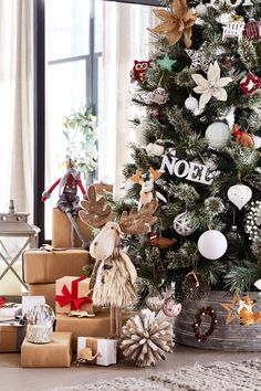Eucalyptus collection - celebrate Christmas in style with festive decorations christmasmood Festival Decorations, Christmas Tree Decorations, Christmas Wreaths, Holiday Decor, Holiday Ideas, Christmas Mood, Country Christmas, Christmas 2019, Christmas Aesthetic