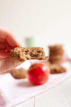 Apple pie cookies are baked with peanut butter to give them that extra delicious addition of flavor. Vegan, gluten free and sugar free. Vegan Dessert Recipes, Vegan Breakfast Recipes, Vegan Recipes Easy, Apple Pie Cookies, Cookie Pie, Apple Pies, Sugar Free Baking, Gluten Free Baking, Healthy Vegan Snacks