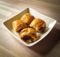 Indonesian Sausage rolls (in Dutch with translator) Tapas, Low Sodium Recipes, Sausage Rolls, Cooking Recipes, Healthy Recipes, Indonesian Food, Nom Nom, Muffin, Appetizers