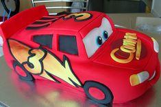 Ed eccoci Mcqueen Lightning Mcqueen Party, Lightning Mcqueen Birthday Cake, Lightening Mcqueen, 3rd Birthday Cakes, Cars Birthday Parties, 4th Birthday, Celebration Cakes, Birthday Celebration, Mcqueen Car Cake