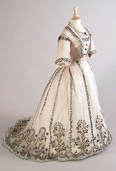 Day Dress ca. 1865 From the Kent State University Museum Pinterest