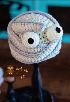 Crochet Mummy Hat Halloween Beanie.Halloween crochet  #halloween #crochet ww.loveitsomuch.com