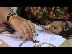 AnaGGabriela - Vídeo-Aula 94 - colar com cruz grande e strass, cristais e pingentes - YouTube