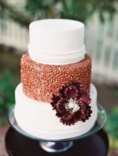 Bronze Wedding Cake by MJB Cakes | Clicked by Lavender and Twine