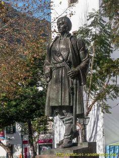 Tristão Vaz (Teixeira) - ( 1395 - 1480) – também escudeiro do Infante, talvez de origem inglesa,  esteve em Ceuta e Tânger, sendo mais tarde armado cavaleiro.