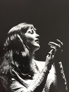 Annie Ross at the Newport Jazz Festival // photo by Jim Marshall