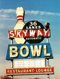 bowling  lanes  bowl