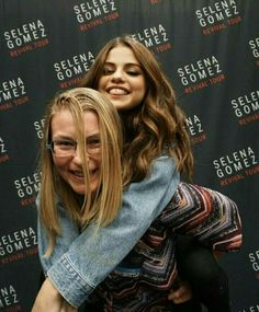 Wiederbelebungstour Selena Gomez - New Sites Selena Selena, Fotos Selena Gomez, Bieber Selena, Estilo Selena Gomez, Selena Gomez Style, Justin Bieber, Meet And Greet Poses, Selena Pictures, Alex Russo