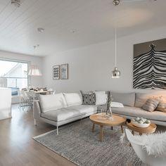 Living Room Interior, Home Living Room, Living Room Decor, Small Living Rooms, Living Room Designs, Scandinavian Style Home, Interior Inspiration, Furniture, Home Decor
