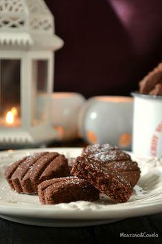 Unas sencillas galletas de almendra y chocolate. Son un postre típico de Navidad en Suiza.